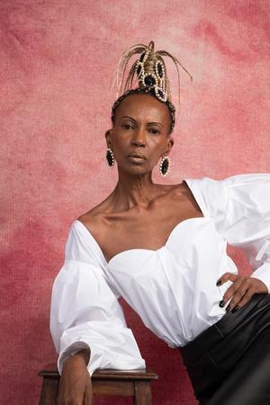 Рианна посвятила коллекцию украшений Fenty темнокожим женщинам (фото 3.2)