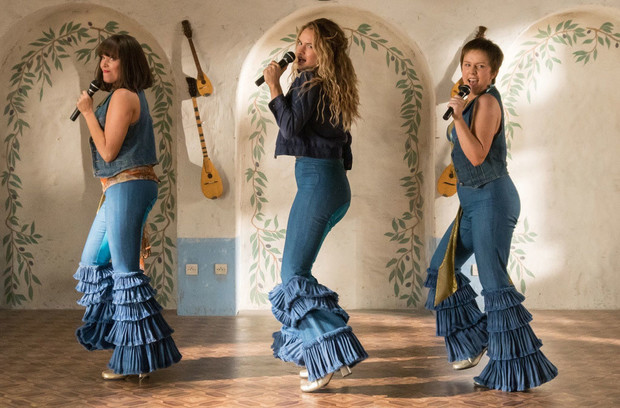 Трейлер продолжения фильма Mamma Mia! вызвал недовольство поклонников (фото 7)
