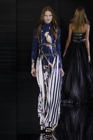 Показ Azzaro коллекции сезона Осень-зима 2015-2016 года Haute couture - www.elle.ru - Подиум - фото 597591