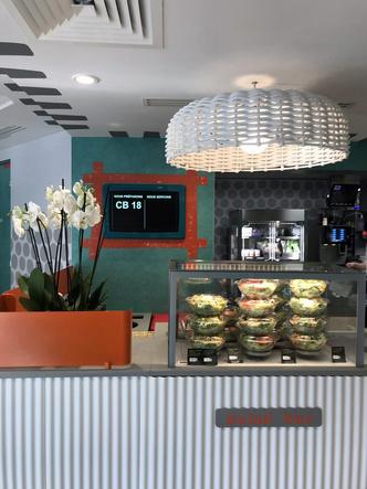 В Париже открылся McDonald's по дизайну Паолы Навоне (фото 2.1)