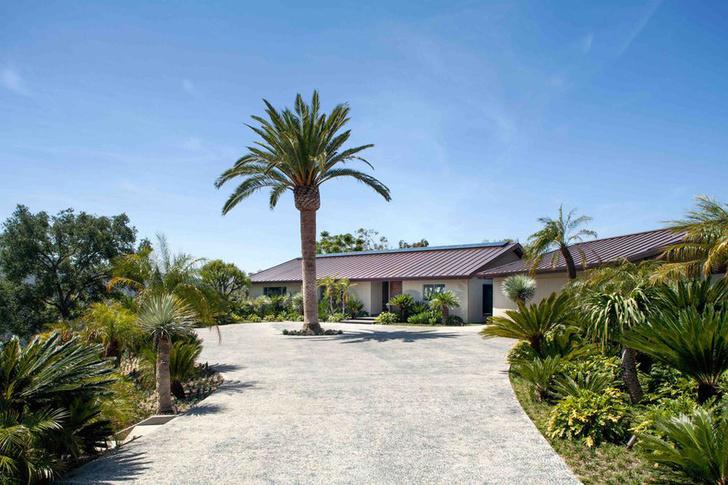 Фронтмен Maroon 5 Адам Левин продает два роскошных дома в Лос-Анжелесе фото [2]