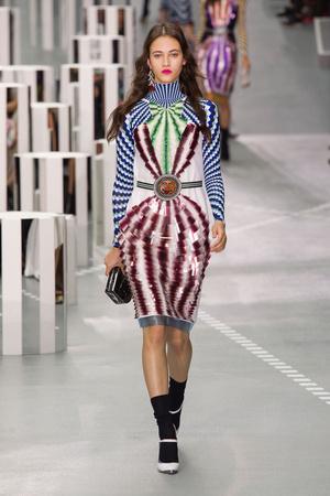 Показы мод Mary Katrantzou Весна-лето  2017 | Подиум на ELLE - Подиум - фото 4641
