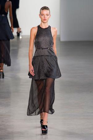 Показ Calvin Klein Collection коллекции сезона Весна-лето 2015 года Prêt-à-porter - www.elle.ru - Подиум - фото 587192