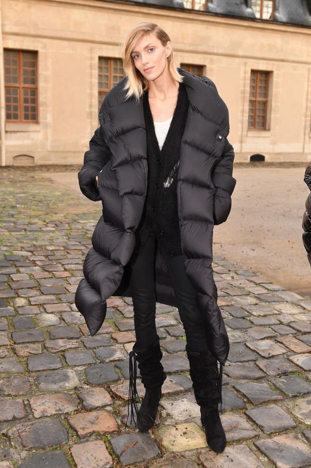 Пуховик или пальто? Что носят (русские) супермодели между показами в Париже (фото 3)