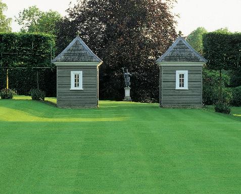 Садовые беседки: советы и примеры (фото 27)