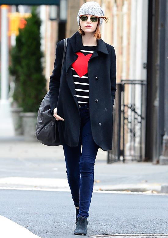 Эмма Стоун на улице в Нью-Йорке, 25 ноября 2014