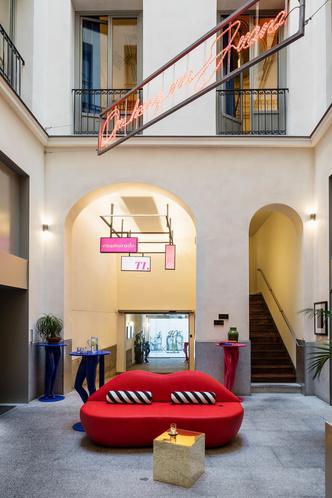 Отель с нетрадиционной ориентацией в Мадриде (фото 0.2)