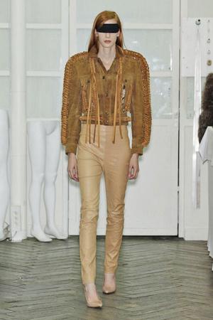 Показ Maison Martin Margiela коллекции сезона Весна-лето 2011 года Haute couture - www.elle.ru - Подиум - фото 218656