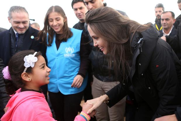 Анджелина Джоли пожертвовала $ 1 млн благотворительному фонду No Kid Hungry (фото 3)