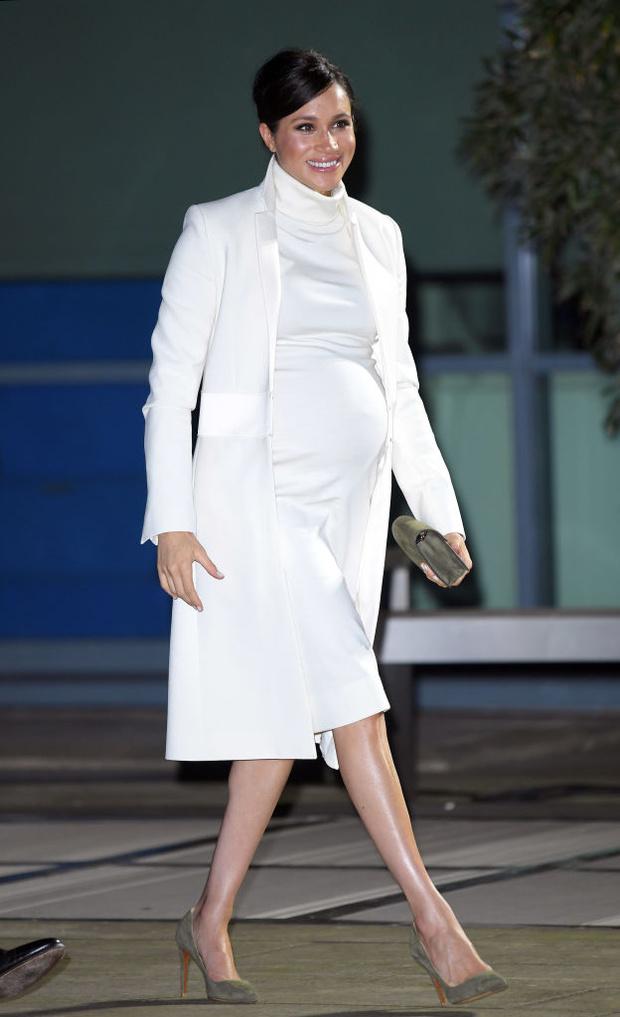 Прощай, королева: 30 лучших выходов Меган Маркл в качестве члена монаршей семьи (фото 58)