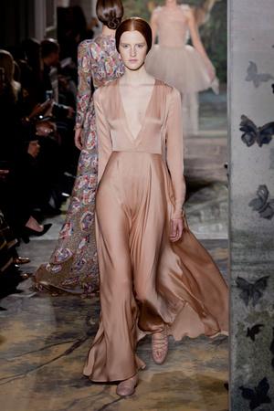 Показ Valentino коллекции сезона Весна-лето 2014 года haute couture - www.elle.ru - Подиум - фото 575250
