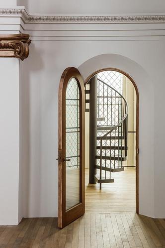 Дизайн-галерея в старой церкви Сан-Франциско (фото 3.2)