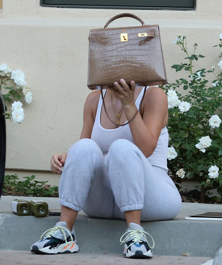 Как Ким Кардашьян выглядит без укладки и макияжа? фото [4]