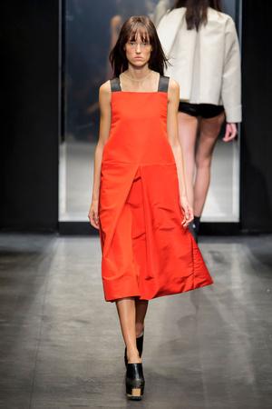 Показы мод Vera Wang Весна-лето  2016 | Подиум на ELLE - Подиум - фото 4357