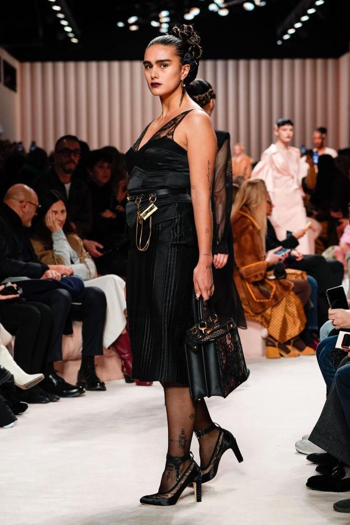 Тело как искусство: лучшие выходы curvy-модели Джилл Кортлев на Неделях моды (фото 5)