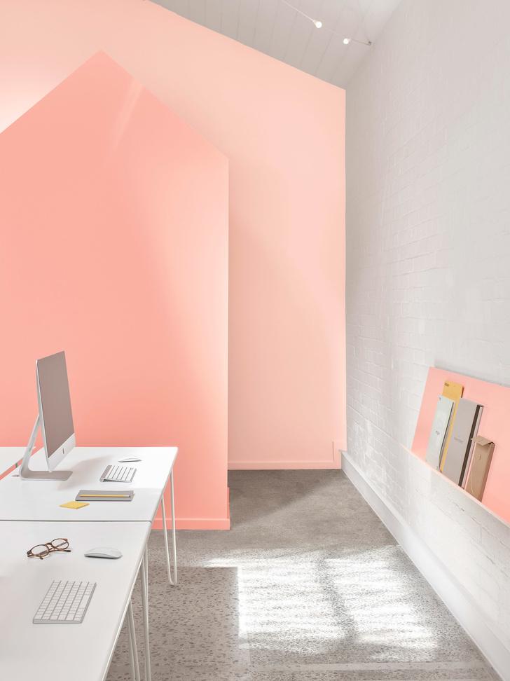 Розовые грезы: яркий офис в Мельбурне (фото 7)
