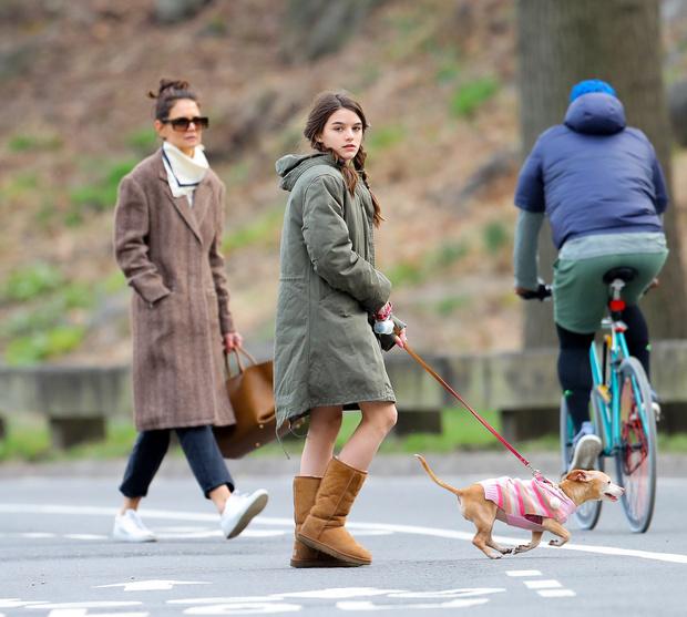 Простые радости: Кэти Холмс и Сури Круз на прогулке в Центральном парке (фото 2)