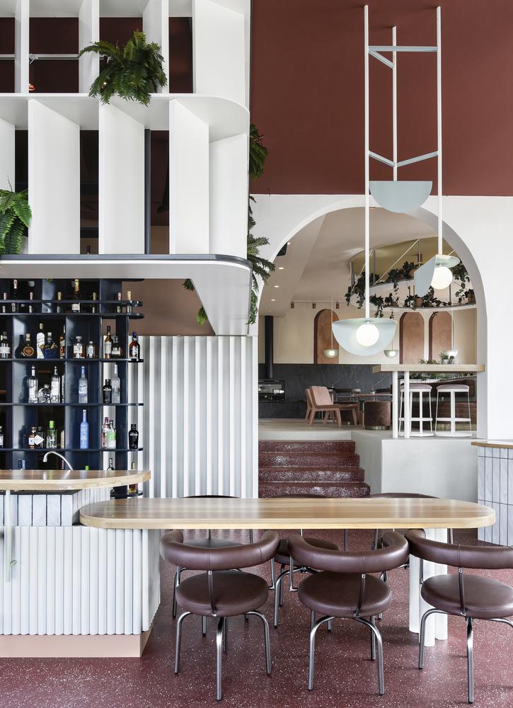Терраццо и бархат: бистро-бар в Греции (фото 3)