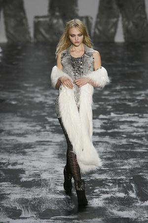 Показы мод Miss Sixty Осень-зима 2009-2010 | Подиум на ELLE - Подиум - фото 3215