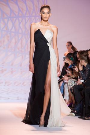 Красивое вечернее платье-бюстье: фото