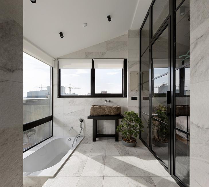 Ванная комната с выходом на террасу