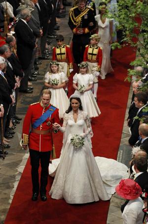 Что наденут дети Кейт Миддлтон и принца Уильяма на свадьбу Меган Маркл и Гарри? (фото 7.1)