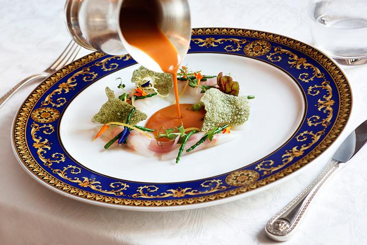 Шесть символов Versace: квест по отелю Palazzo Versace фото [5]