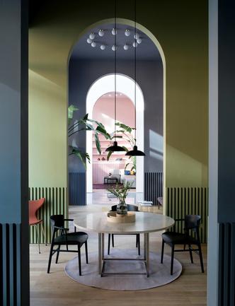 Салон Fritz Hansen по дизайну Хайме Айона в Китае (фото 2.1)