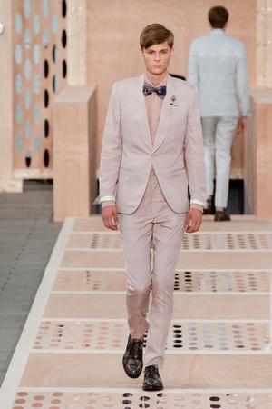 Показ Louis Vuitton коллекции сезона Весна-лето 2014 года Men prêt-à-porter - www.elle.ru - Подиум - фото 556986