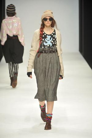 Показы мод Ashish Осень-зима 2010-2011 | Подиум на ELLE - Подиум - фото 2803