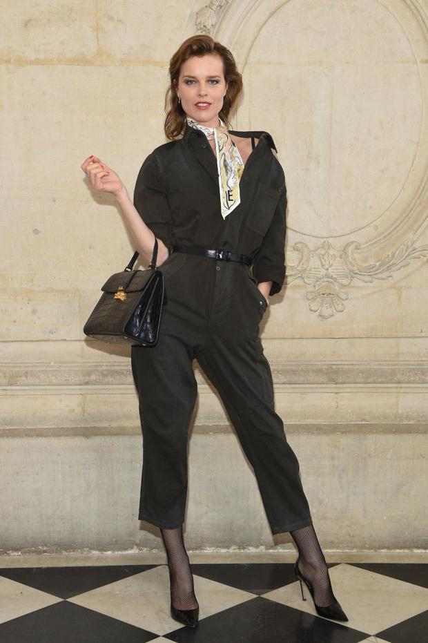 Дженифер Лоуренс, Карли Клосс и Кара Делевинь и другие на показе Dior (фото 4)