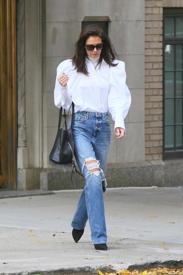 Самая стильная белая рубашка — у Кэти Холмс. Где купить такую же? (фото 1)