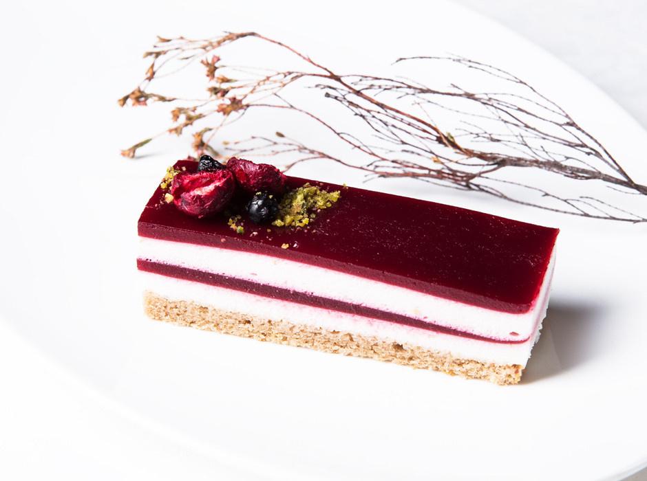 КЭРОБ: Низкокалорийный десерт из йогурта