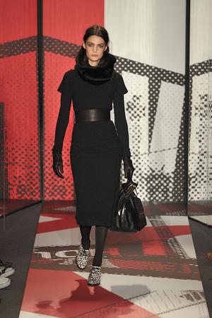 Показ DKNY коллекции сезона Осень-зима 2009-2010 года prêt-à-porter - www.elle.ru - Подиум - фото 90006