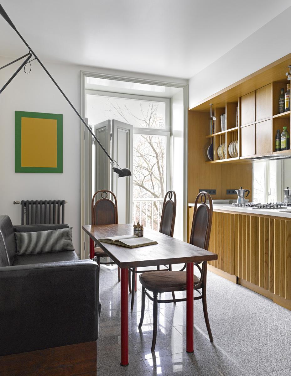 35 проектов кухонь в маленьких квартирах (галерея 0, фото 2)