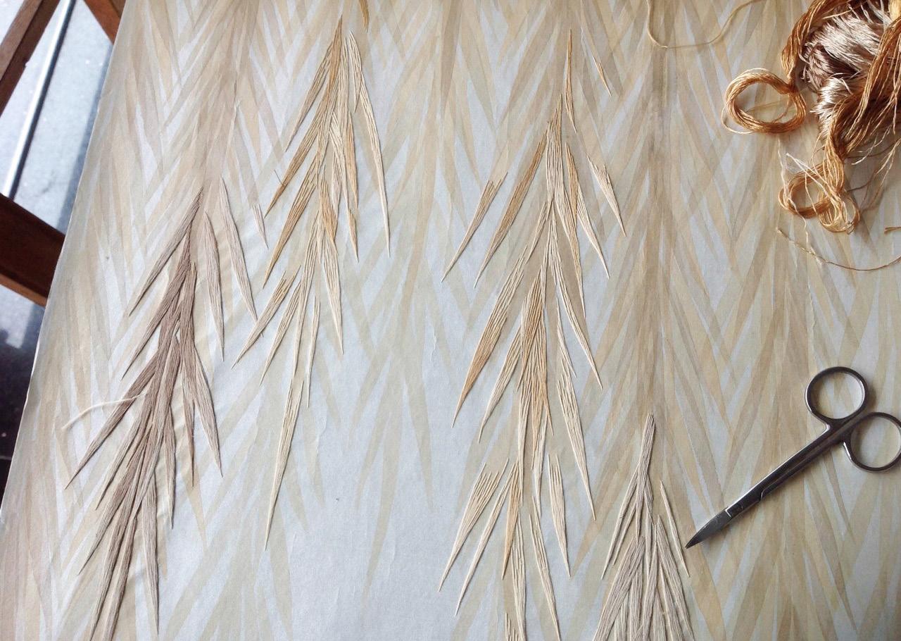 Компания de Gournay выпустила обои с вышивкой | галерея [1] фото [2]