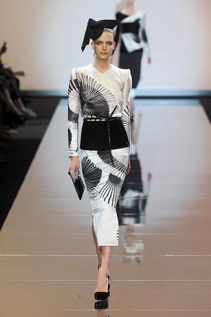 Показ Giorgio Armani Privé коллекции сезона Осень-зима 2011-2012 года haute couture - www.elle.ru - Подиум - фото 277582