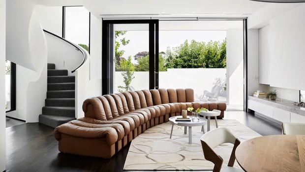 Ликбез: 10 культовых диванов, которые должен знать каждый (фото 29)