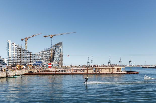 Гавань-бассейн Бьярке Ингельса в Дании (фото 6)