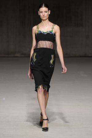Показы мод Christopher Kane Осень-зима 2011-2012 | Подиум на ELLE - Подиум - фото 2277