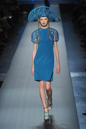 Показ Jean Paul Gaultier коллекции сезона Весна-лето 2010 года Haute couture - www.elle.ru - Подиум - фото 139030