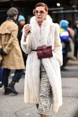 Что носят на Неделе моды в Нью-Йорке: 12 стритстайл-трендов (фото 16.1)