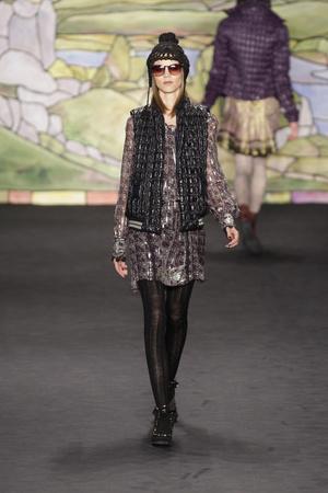 Показы мод Anna Sui Осень-зима 2010-2011 | Подиум на ELLE - Подиум - фото 2820