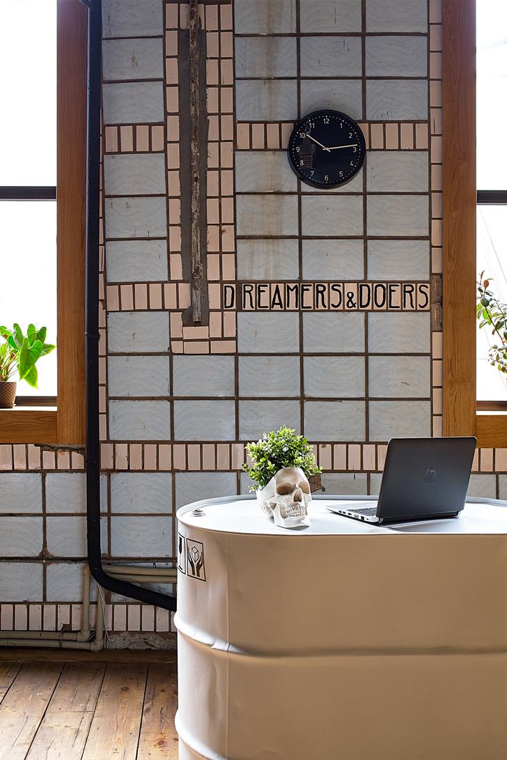 Офис в стиле лофт по проекту Алексея Толкачева (фото 6)
