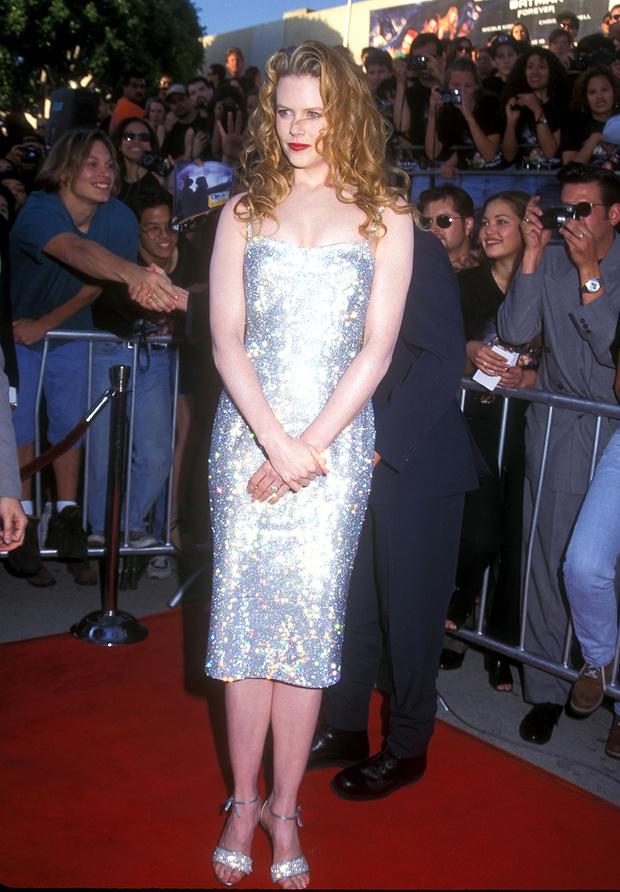 В платье Dolce & Gabbana, 1995 год