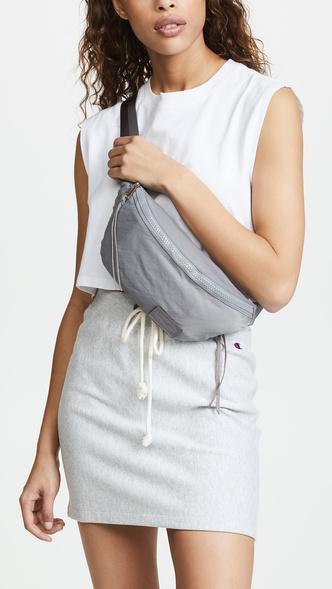 20 стильныхпоясных сумок налето (фото 9.2)