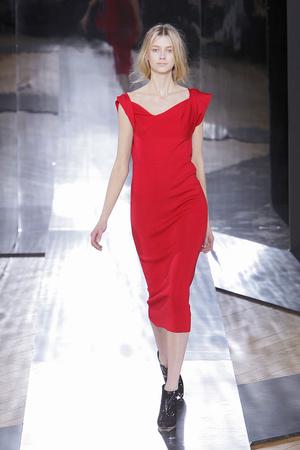 Показы мод Nicole Farhi Осень-зима 2010-2011 | Подиум на ELLE - Подиум - фото 2797