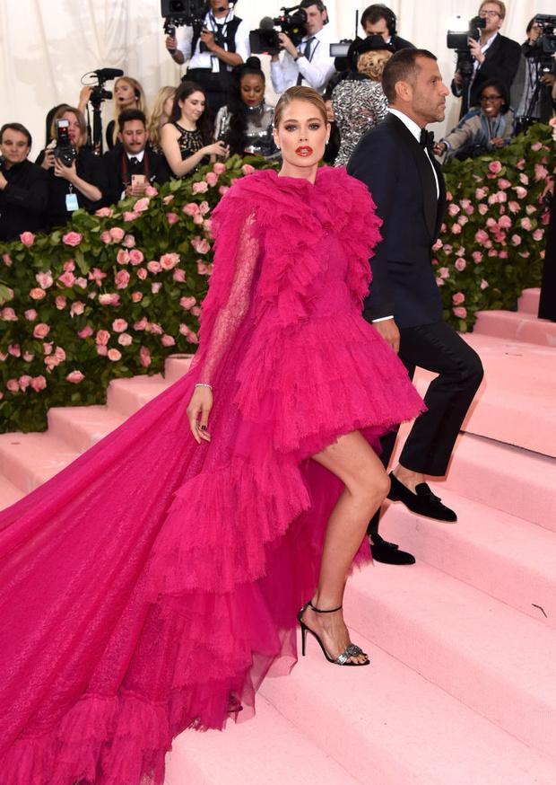 Никаких «голых» платьев, только роскошь: все супермодели на Met Gala (фото 5)