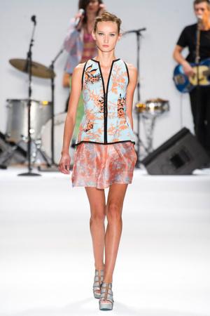 Показы мод Nanette Lepore Весна-лето 2013 | Подиум на ELLE - Подиум - фото 1227