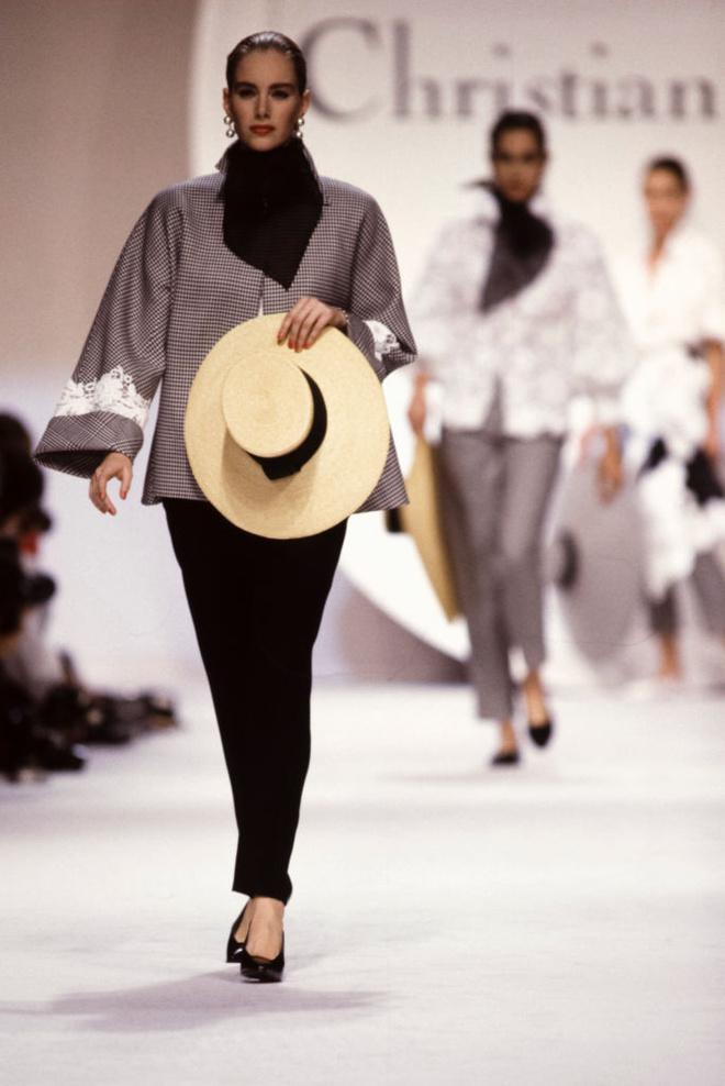 Потрясающая история одного показа: весна-лето 1990, Christian Dior (фото 6)